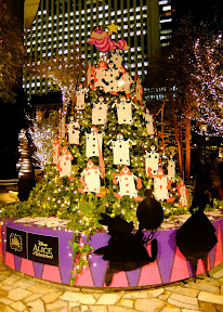 丸の内フリックスクエア「不思議の国のアリス」クリスマスツリー2014