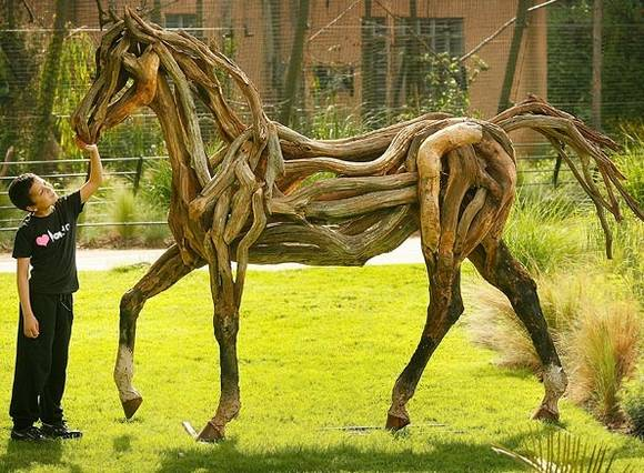 Cool Recycled Sculptures Seen On www.coolpicturegallery.us