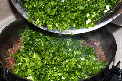 говядина с зеленью