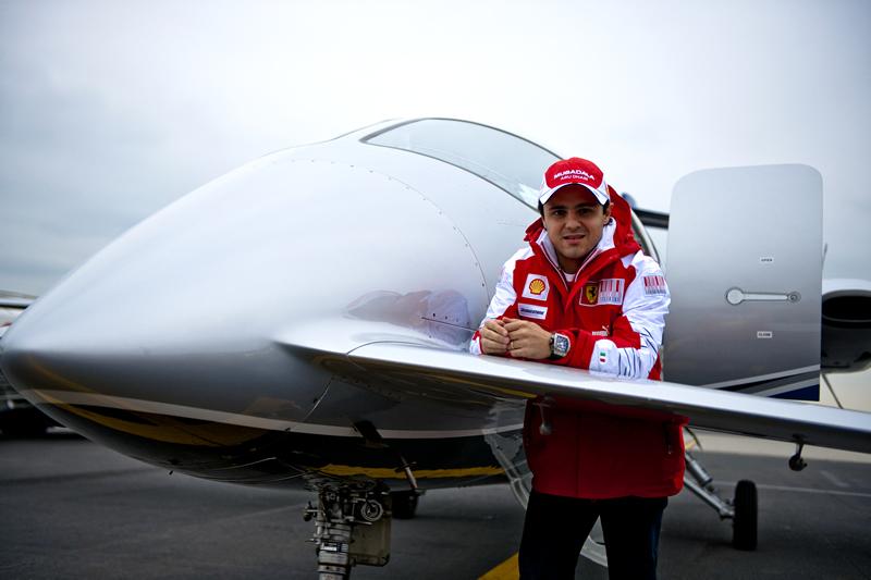 Фелипе Масса и самолет 2011