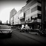"""Kelapa Gading Bukit Indah, czyli """"centrum biurowe"""", w którym pracuje Łukasz."""