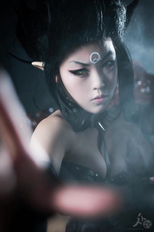 Ngắm cosplay Evelynn Bóng Đêm cực quyến rũ - Ảnh 1