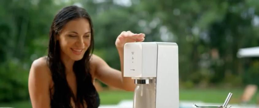 "The SodaStream Effect ""Set the Bubbles Free"" Ad"