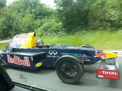 самодельный болид Red Bull в действии от Russ Bost
