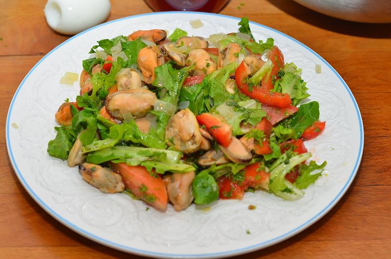 Салат с мидиями рецепт с очень вкусный простой