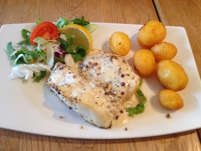 Baked fish with new poatoes and salad