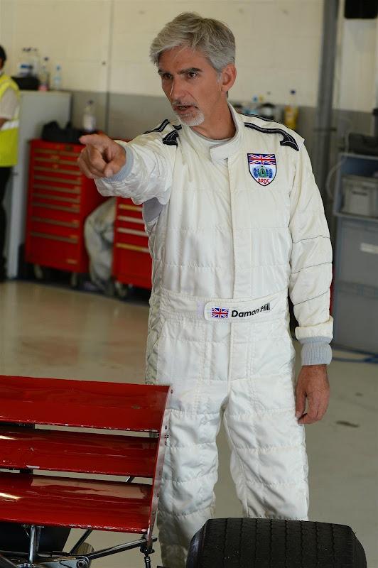 Деймон Хилл в боевом комбинезоне на Гран-при Великобритании 2014