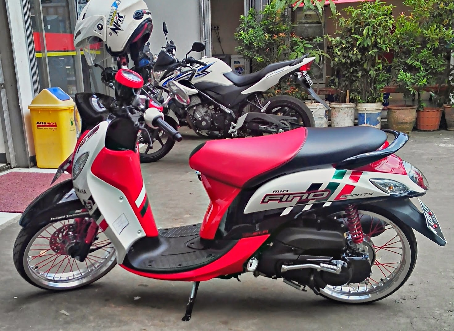ide modifikasi yamaha mio fino sporty