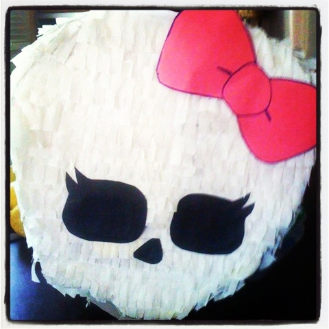 monster high piñata