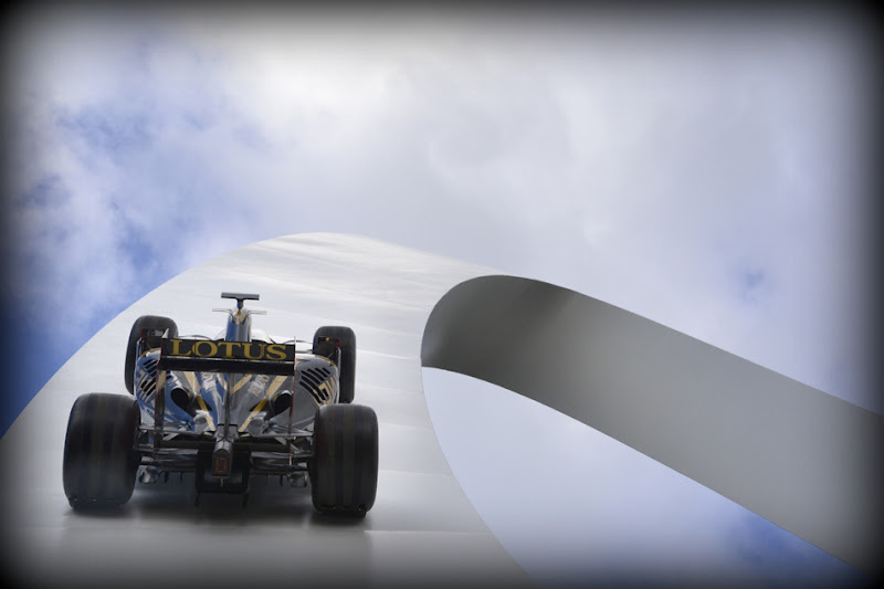 Lotus F1 Team - Скульптура Джерри Иуды на Фестивале скорости в Гудвуде 2012