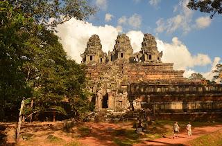 Ta Keo, symbolizująca górę świątynia zadedykowana Siwie. X-XI wiek.