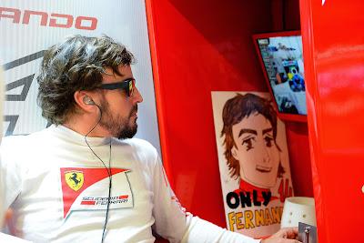 Фернандо Алонсо и рисованный баннер на Гран-при России 2014