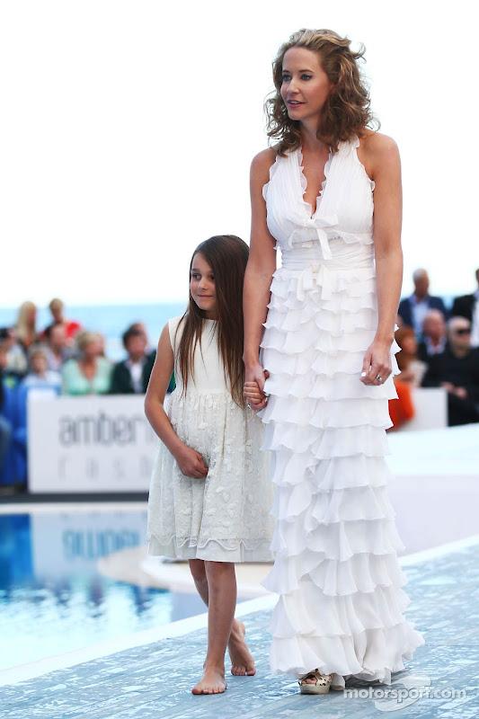 Кэтрин Хайд на Amber Lounge Fashion Show на Гран-при Монако 2013