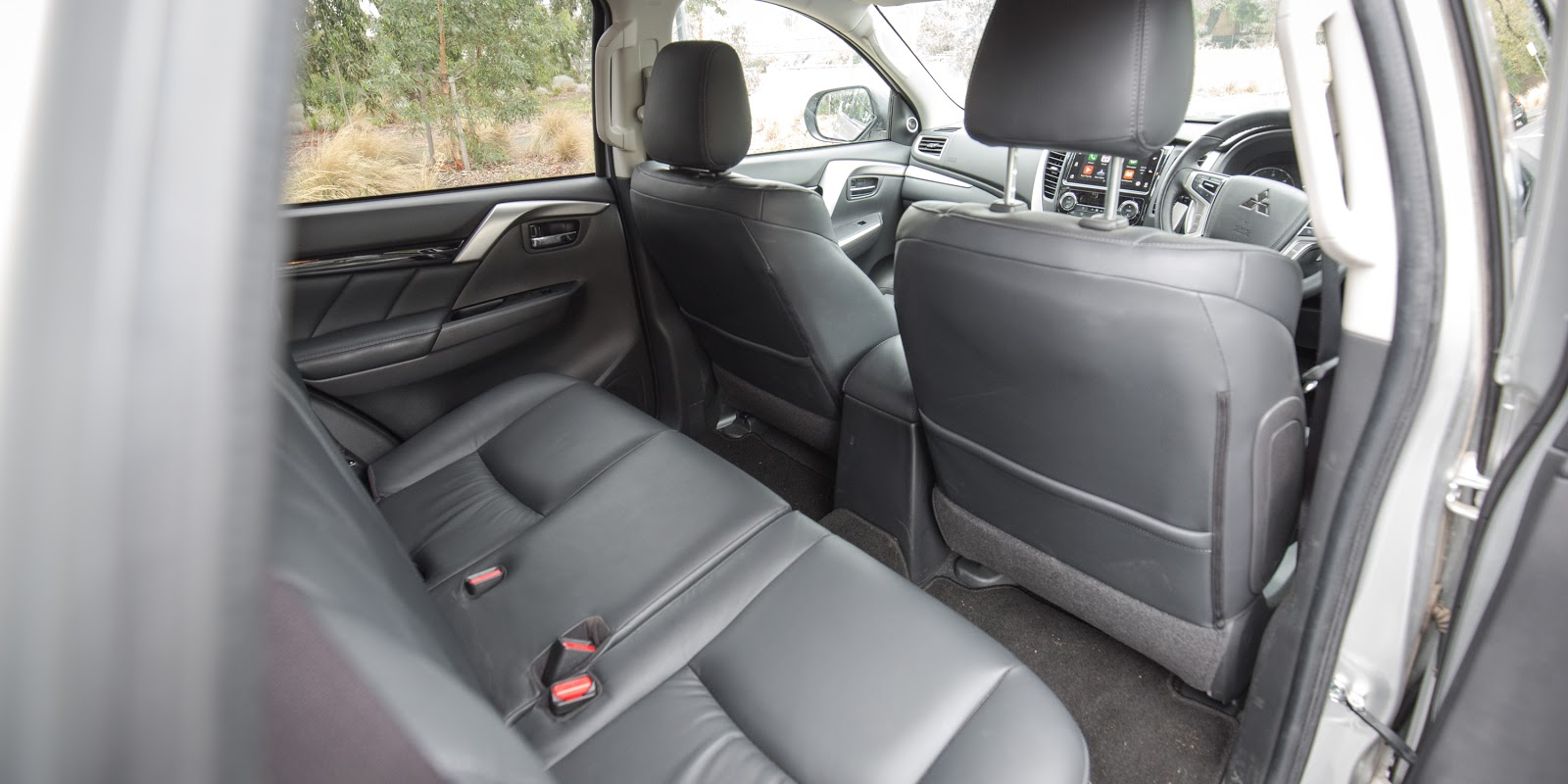 Đánh giá xe Mitsubishi Pajero Sport 2016