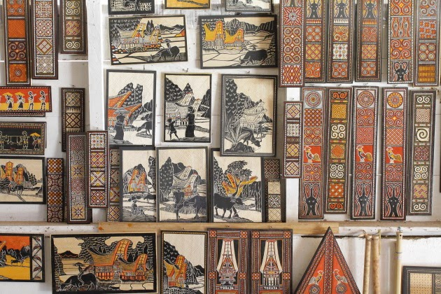Carving and painting souvenirs from Tana Toraja, Indonesia