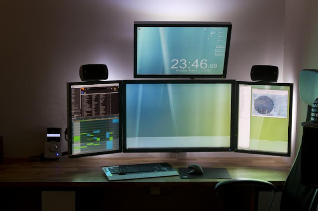 Computer Station Setups Seen On www.coolpicturegallery.us