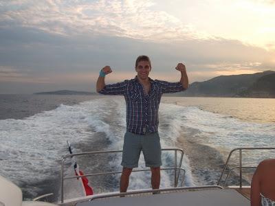 Виталий Петров на катере