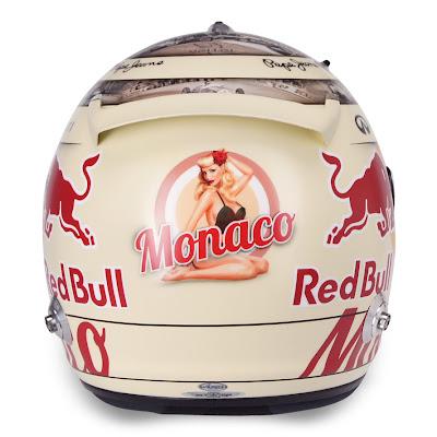 шлем Себастьяна Феттеля с девушкой на задней части для Гран-при Монако 2013