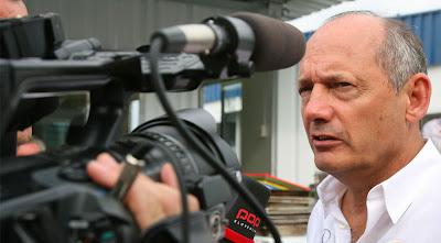Рон Деннис дает интервью