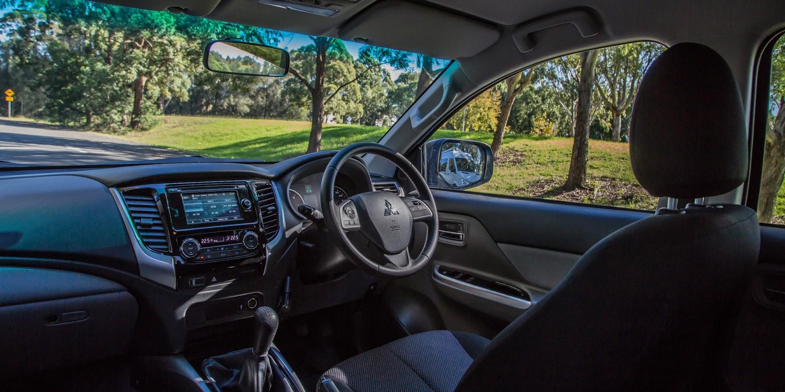 Nội thất của xe đơn giản, thông minh, chắc chắn, tầm nhìn bao quát