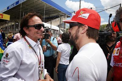 Фернандо Алонсо и Эмерсон Фиттипальди на стартовой решетке Интерлагоса на Гран-при Бразилии 2014