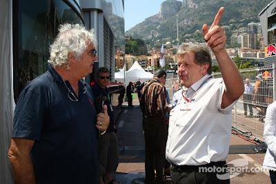 Флавио Бриаторе и Норберт Хауг на Гран-при Монако 2011
