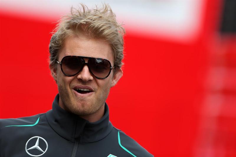 Нико Росберг в темных очках на Гран-при Германии 2013