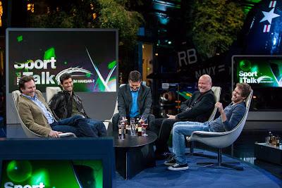 Кристиан Хорнер Марк Уэббер Себастьян Феттель на ток-шоу Sport und Talk в Hangar 7 в Зальцбурге 14 мая 2012