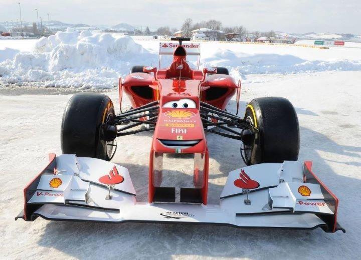 новый персонаж из Тачек - Ferrari F2012 - фотошоп