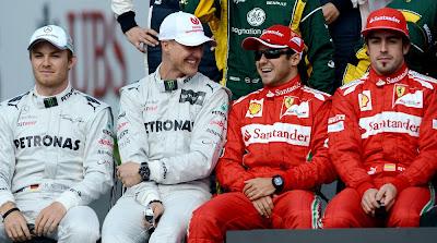 Нико Росберг Михаэль Шумахер Фелипе Масса Фернандо Алонсо на фотоссессии Гран-при Австралии 2012
