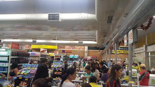 Supermercado Coelho Diniz, Praça Cordovil Pinto Coelho, 200 - Centro, Manhuaçu - MG, 36900-000, Brasil, Supermercado, estado Minas Gerais