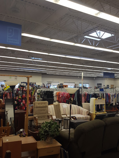 Thrift Store «Goodwill Arvada - McIntyre Parkway», reviews and photos, 6340 McIntyre Pkwy, Arvada, CO 80403, USA