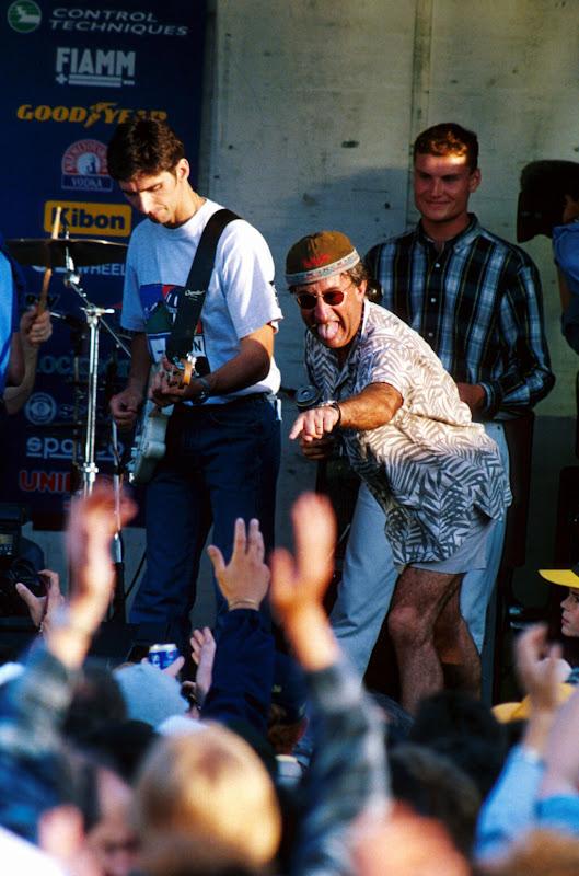 Деймон Хилл Эдди Джордан Дэвид Култхард на сцене в Сильверстоуне на Гран-при Великобритании 1995