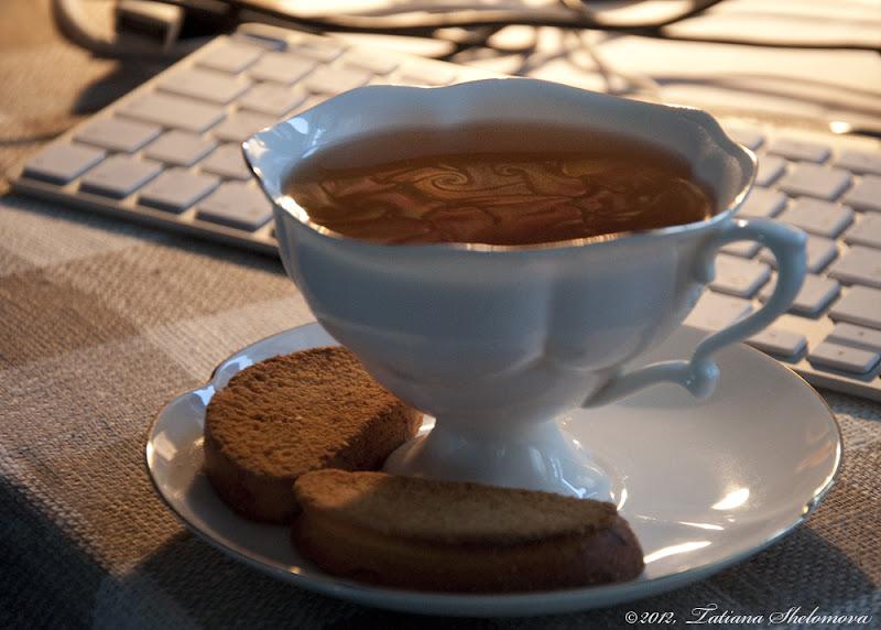 Сухарик и чай