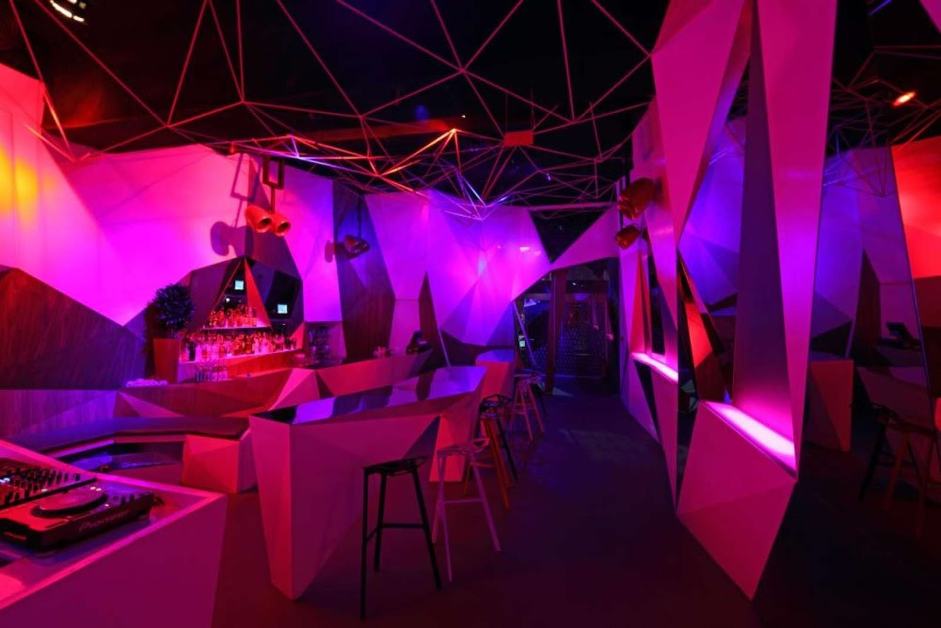 11 11 Club by Uras X Dilekci Architects