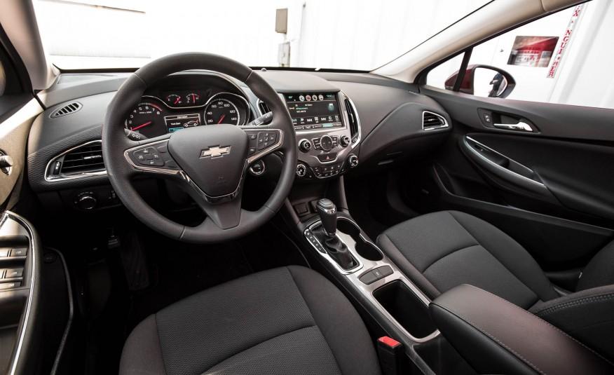 Đánh giá xe Chevrolet Cruze 2016