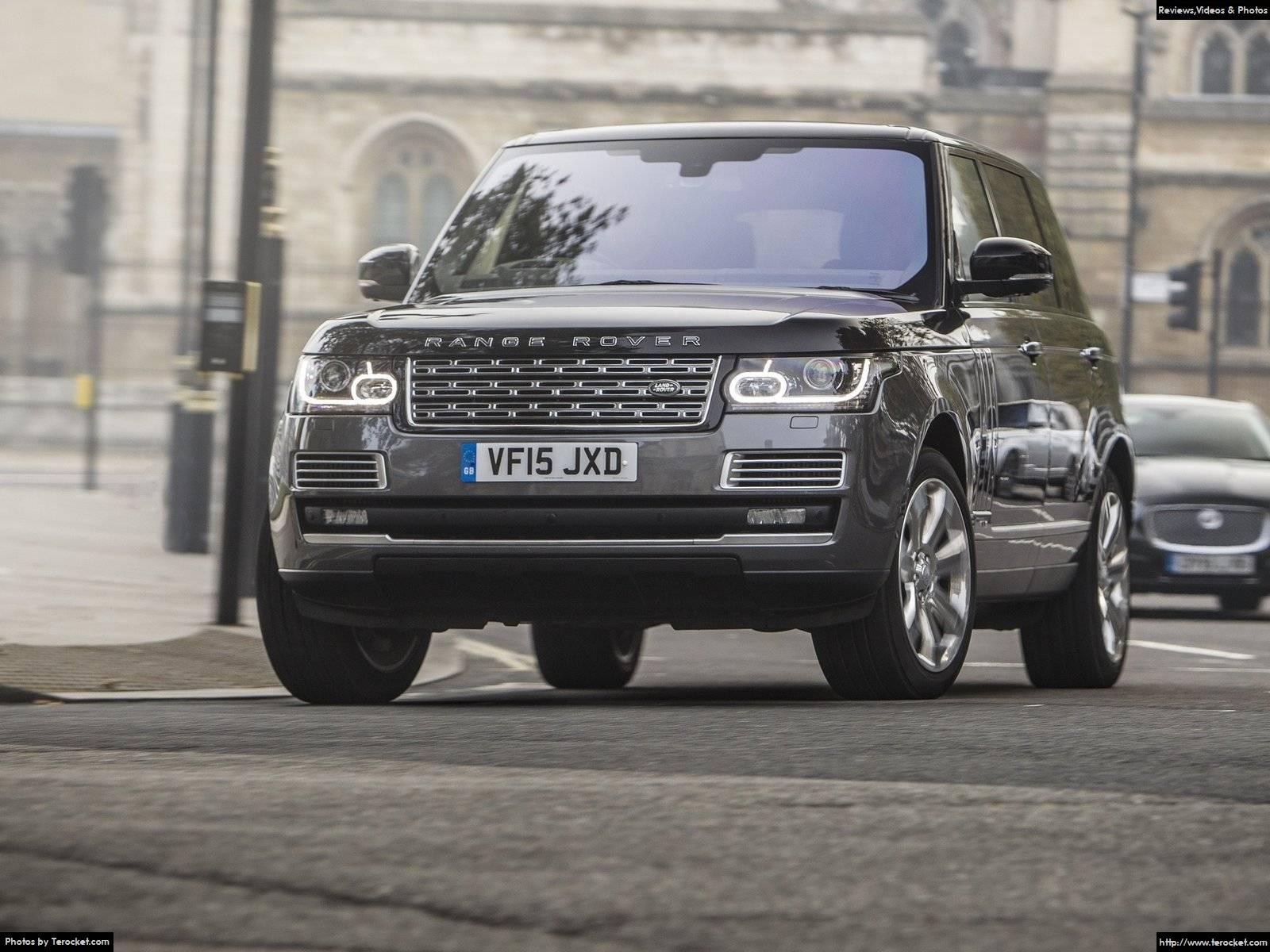 Đầu xe đậm chất và đặc sệt phong cách của Land Rover