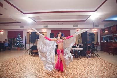 belly dance Constanta, belly dancer Constanta, cadana Constanta, dans oriental Constanta, dansatoare de muzica orientala Constanta, dansatoare din buric Constanta, dansatoare de muzica orientala Constanta