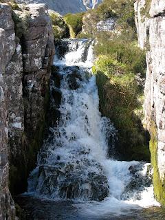 Allt a Ghlas Thuill waterfall