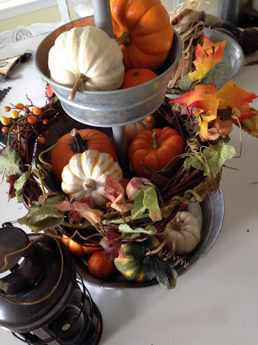 Easy 3 tiered fall centerpiece, mini pumpkins