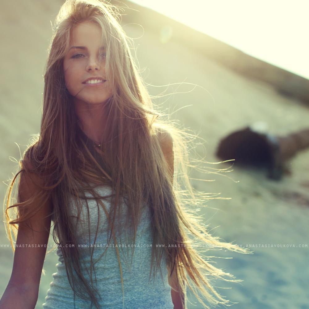 Фотографии красивых девушек со спины с русыми волосами 13 фотография