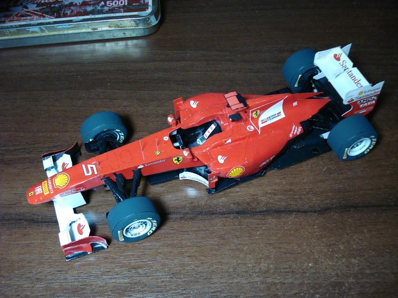 бумажные модель болида Ferrari F150 Italia Фернандо Алонсо на Гран-при Великобритании 2011