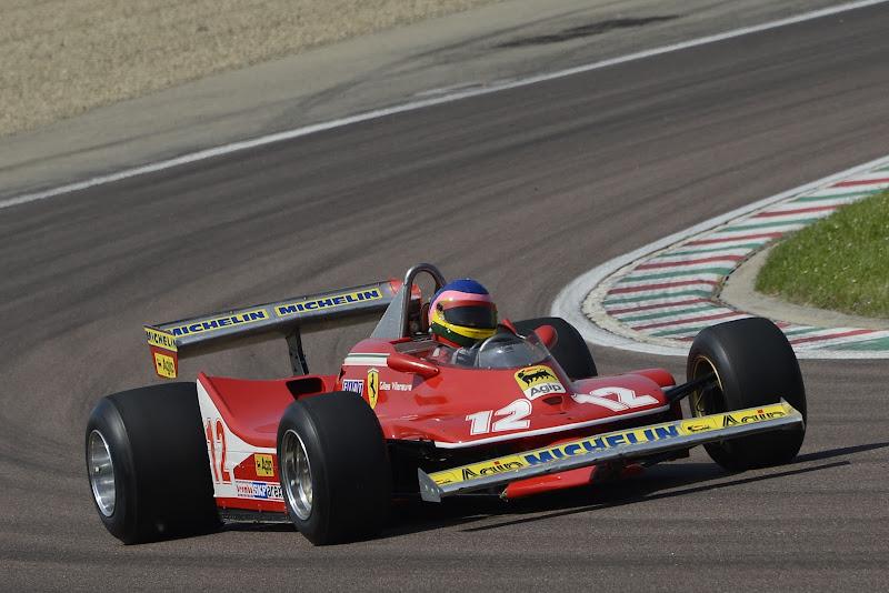Жак Вильнев в болиде Ferrari Жиля Вильнева на трассе Фьорано 8 мая 2012