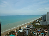 2-bedroom apartment for rent at the beachfront     to rent in Jomtien Pattaya
