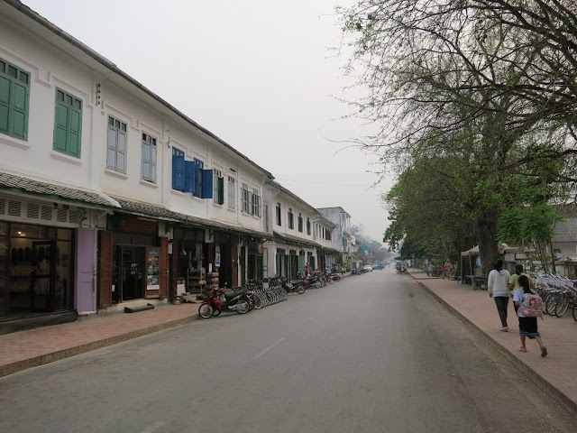 French colonial architecture on Thanon Sisavangvong.