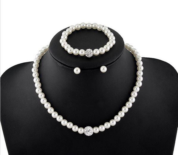 Колье ожерелья и браслеты
