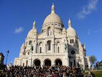 La Basílica del Sagrado Corazón, ahora desde la escalera para acceder a ella.