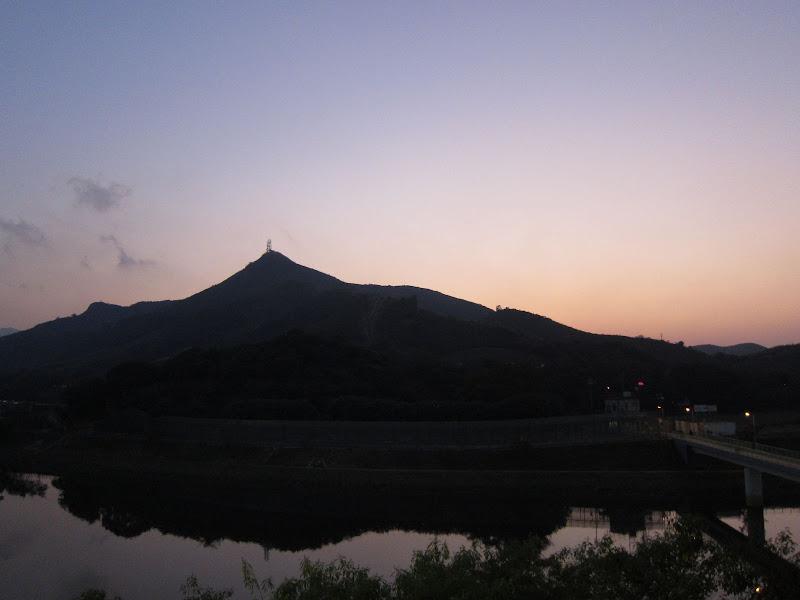 Lo Hu Sunset