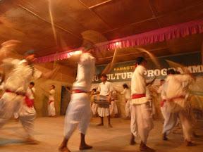 Danse Tharu