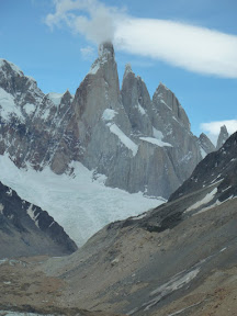 Cerro Torre dans les nuages